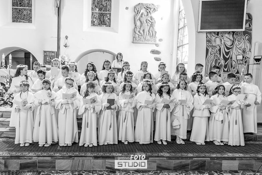 2fe3b8e7c1 ... Pierwsza Komunia Święta w Nowogrodzie Bobrzańskim 2017 ...